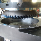 Universal head spindle gear meshing